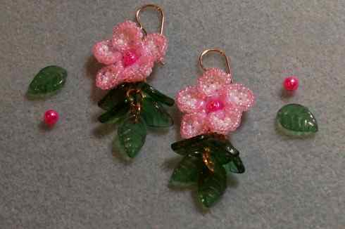 цветы сакуры из бисера